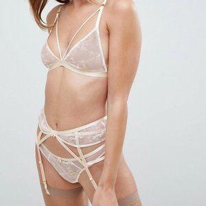 NWT -Bridal Embroidered Bra, Thong & Suspender Set